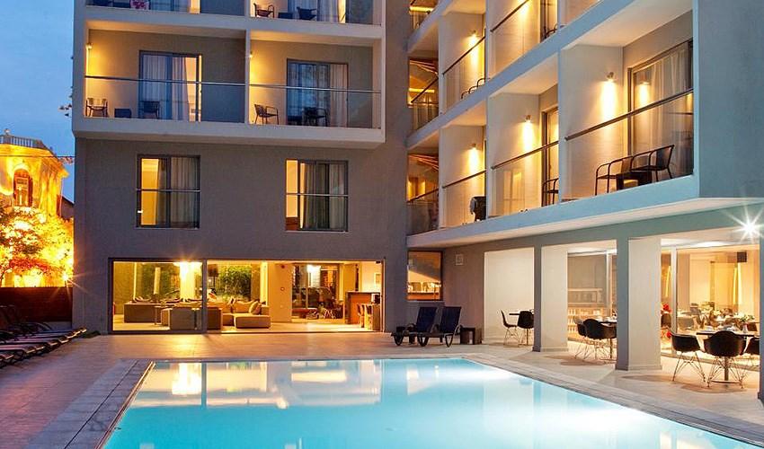 Hotel Oktober