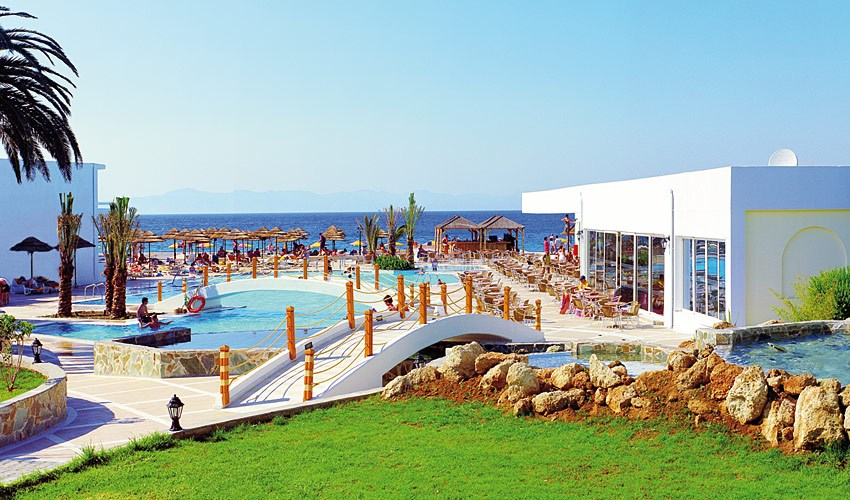 Hotel Avra Beach Resort