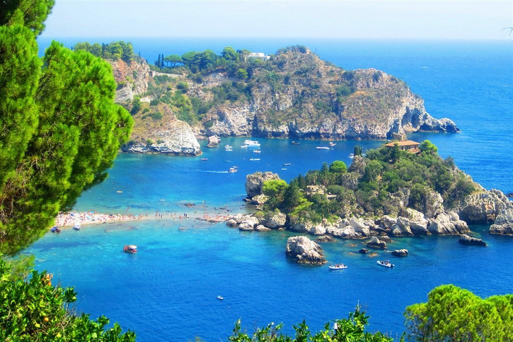- Itálie