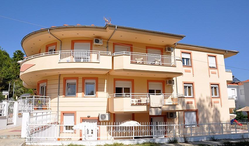 Apartmánový dům Ladikas - Skala Potamias/Golden Beach