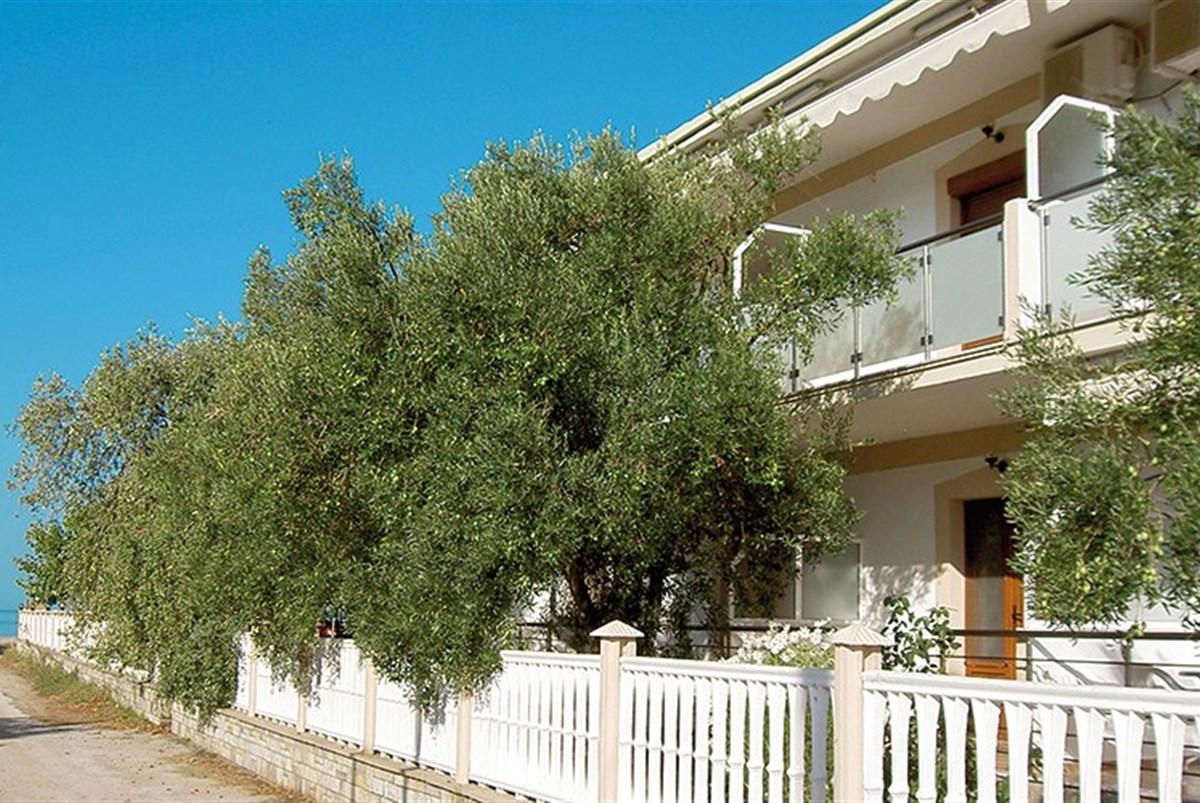 Apartmánový dům Lambiris - Lefkada